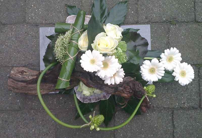 ellen-deelen-natuurlijke-bloem-creaties-laag-baliestuk-met-stronk
