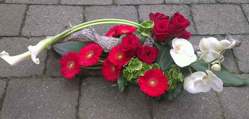 ellen-deelen-natuurlijke-bloem-creaties-laag-baliestuk-rood