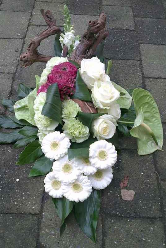 ellen-deelen-natuurlijke-bloem-creaties-graftoef-modern-met-rose-anemoon-1