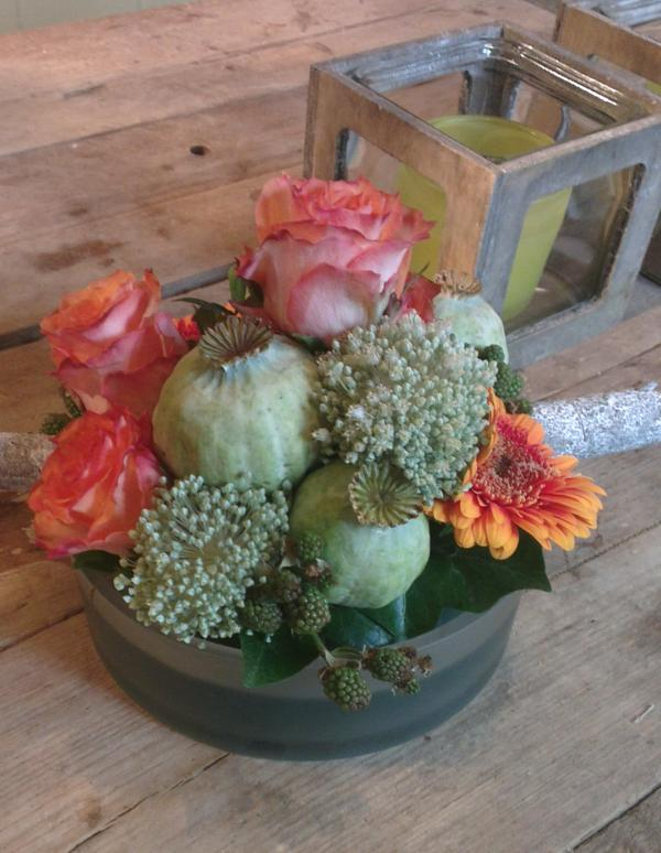 Ellen Deelen natuurlijke Bloem - creaties laag rond tafelstukje in alle kleuren te maken vanaf €16.95_600x774