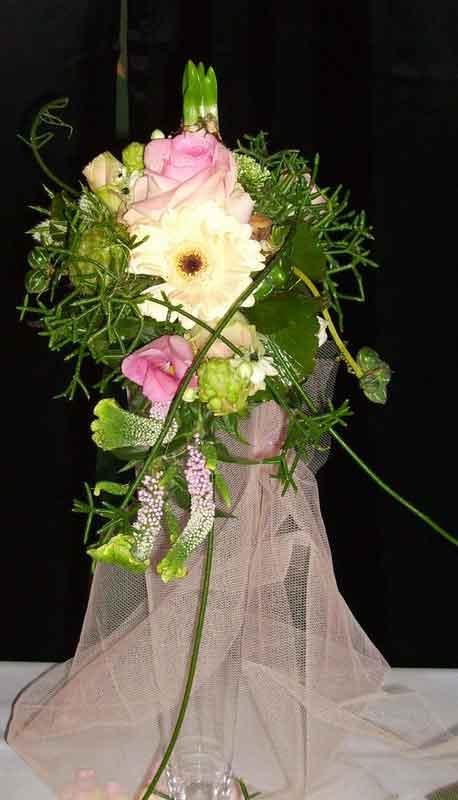 ellen-deelen-natuurlijke-bloem-creaties-bruidsboeket moder