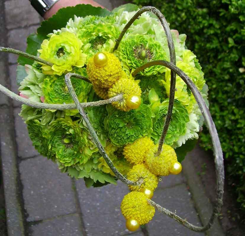 ellen-deelen-natuurlijke-bloem-creaties-bruidsboeket-moderne-biedermeijer1