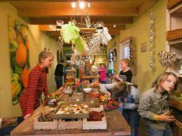 Ellen Deelen natuurlijke bloem-creaties-overzicht kinderworkshop