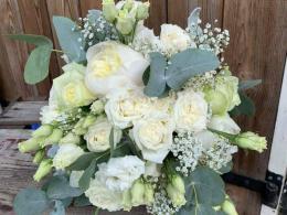 bruidsbloemwerk-bloemcrea-witte-rozen