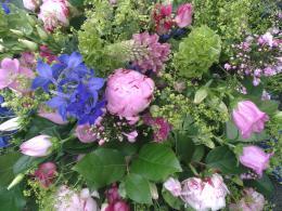 Ellen Deelen natuurlijke bloem-creaties graftoef pioenroos en andere zomerse materialen