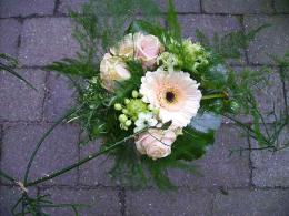 ellen-deelen-natuurlijke-bloem-creaties-handpalm-boeket