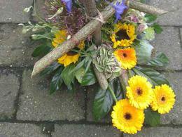 ellen-deelen-natuurlijke-bloem-creaties-speels-baliestuk-met-polygonum